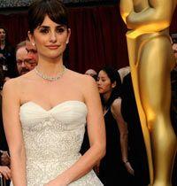 Oscar'ın Gelinleri: 9 Beyaz Abiye Elbise ve Tuvalet