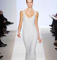 Beyaz Gece Elbisesi Podyumların Yıldızı
