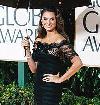 Ünlüler Siyah Gece Elbisesini Seviyor: Altın Küre 2010