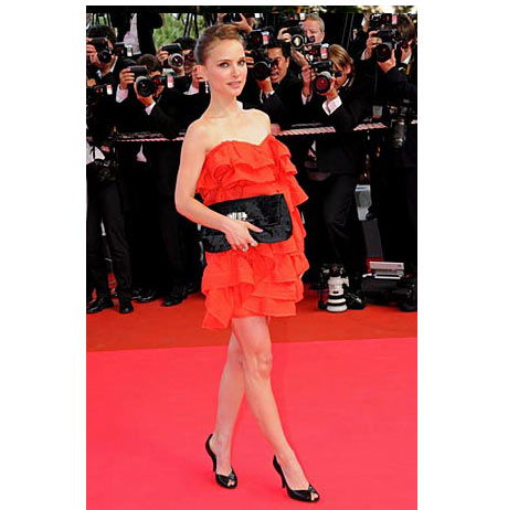 Natalie Portman Lanvin Elbisesi ile sınıfta kaldı