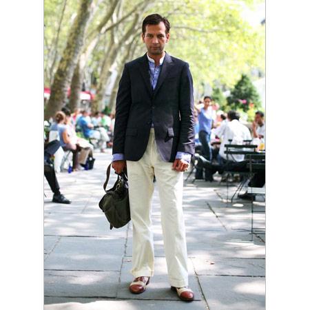 Lacivert Erkek Ceket, Beyaz Pantalon, Vintage Ayakkabı