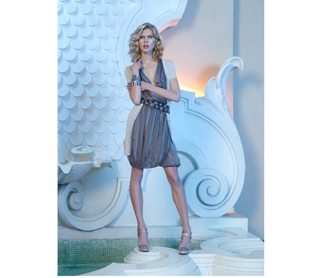 Zara V Yaka Kısa Elbise