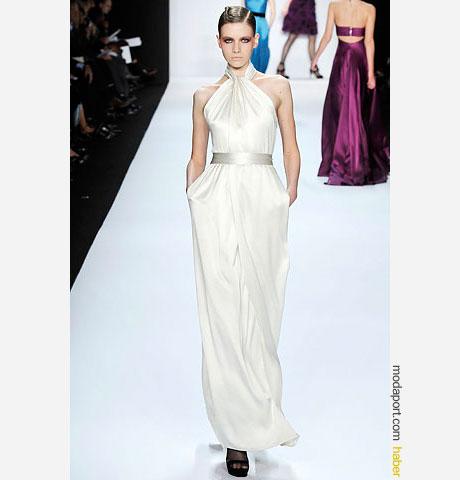 Bill Blass boyundan askılı sade beyaz elbise