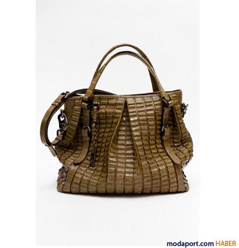 Burberry - Parçalı timsah derisi Lowry çanta