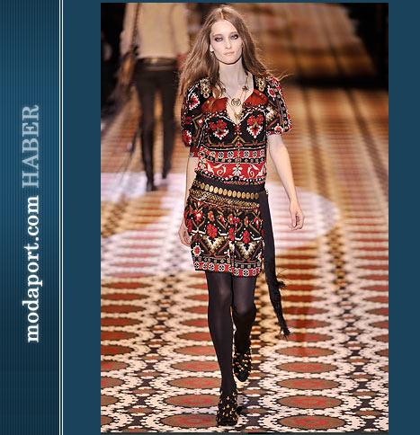 Gucci Etnik Desenli Elbise