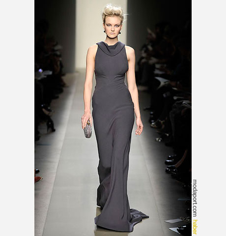 Bottega Veneta uzun ve sade elbise