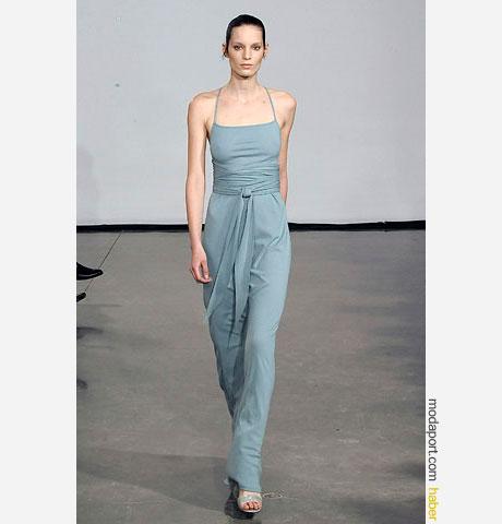 Halston ince askılı mavi gece elbisesi