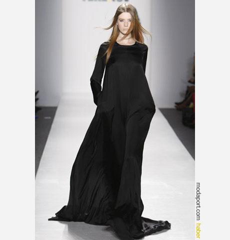 Terexov'dan yere dökülen uzun siyah elbise