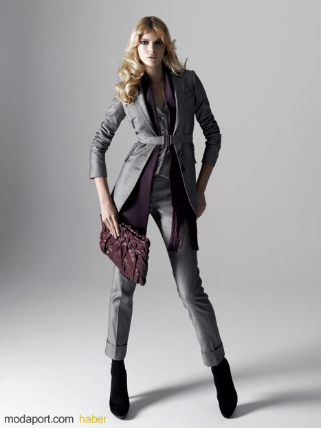 Koton 2008 Sonbahar 2009 Kış Koleksiyonu - 1970'lerin Lüksü Temasından Bayan Takım Elbise / Fiyatlar: Ceket 129,99 YTL, Yelek 59,99 YTL, Pantolon 59,99 YTL