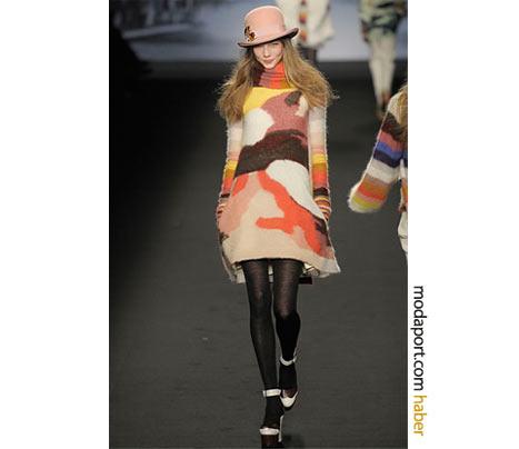 Desenli örgü elbise, Sonia Rykiel'ın renkli modellerinden