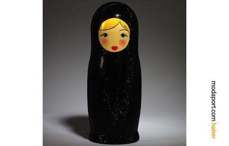 Dolce & Gabbana'dan simli bir model
