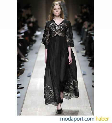 Stella McCartney'den özgün bir işli siyah elbise