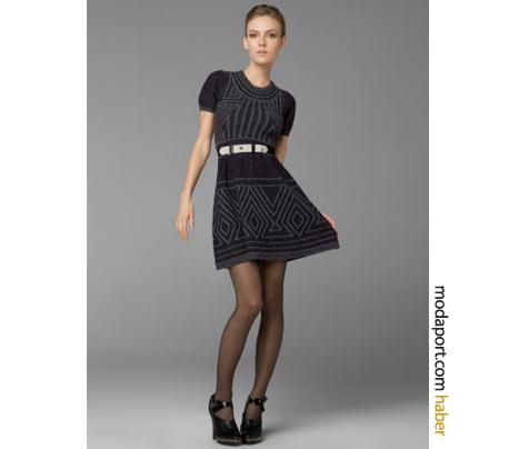 BCBG MaxAzria'nın geniş etekli ötgü elbise modeli