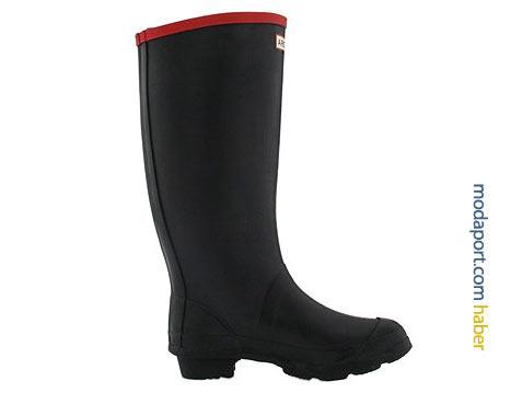 Hunter'ın kırmızı biyeli kauçuk yağmur çizmesi