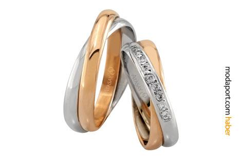 Geçmeli iki yüzüğü andıran pırlantalı alyanslar