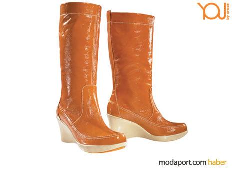 Rugan çizmelerin Crocs'luğu turuncu renginden belli