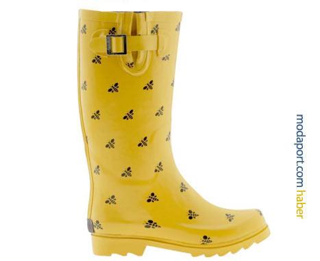 Sarı plastikten Chooka yağmur çizmesi, arı deseniyle pek sevimli