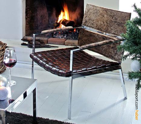 Metal ayaklı modern tarzda sandalye de Mudo'nun ilginç tasarım mobilyalarından.
