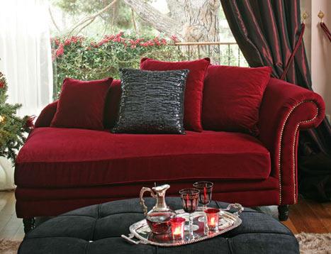 Kırmızı kadifeden sofa, zarif bir kanepe alternatifi