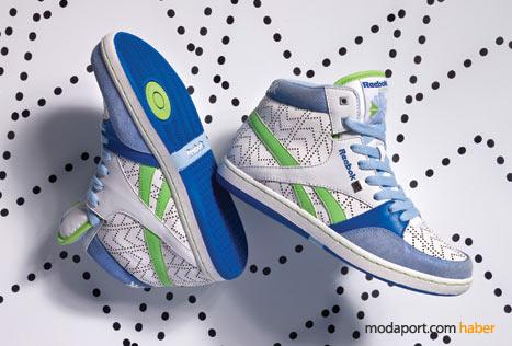 Mavi yeşil spor ayakkabı, seksenlerden bir esinti