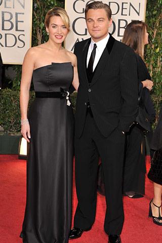 Kate Winslet her zaman klasik bir zerafeti tercih etmiştir. Siyah straplez bir Yves Saint Laurent tuvalet giyen Winslet, Chopard mücevherler takmış. Leonardo DiCaprio ise Giorgio Armani takım elbise giyiyor.