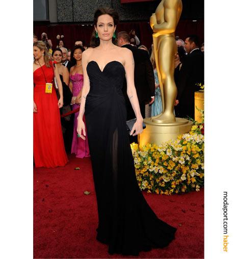 Angelina Jolie, Elie Saab abiye elbise ve Lorraine Schwartz mücevherlerle