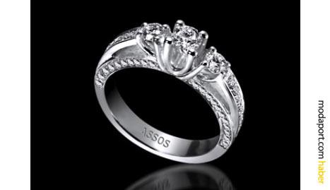 Assos'un Queen koleksiyonundan bir başka pırlantalı mücevher