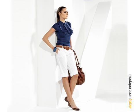 Journey koleksiyonundan bu beyaz bermuda pantolon, lacivert bluz ve doğal deri kemer, taze bir yaz havası estiriyor