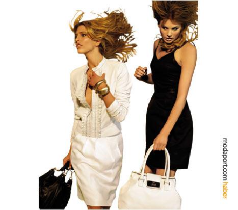 İnce bir kumaş ceket görüntüsündeki fırfırlı Desa deri ceket, siyah çantayla, askılı siyah elbise de beyaz deri çantayla tamamlanmış.
