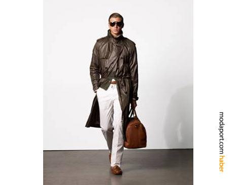 Ralph Lauren'den bir baharlık trençkot daha.. Bu kez yılın modası büyük çantayla tamamlanmış