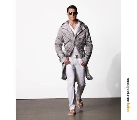 2009'un hem bayan hem de erkek modasında trençkotlar krallığını ilan etti. O kadar ki, parmak arası terlik üzerine bile giyilebiliyorsunuz