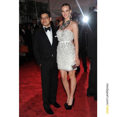 Peter Som ve beyazlı modeli