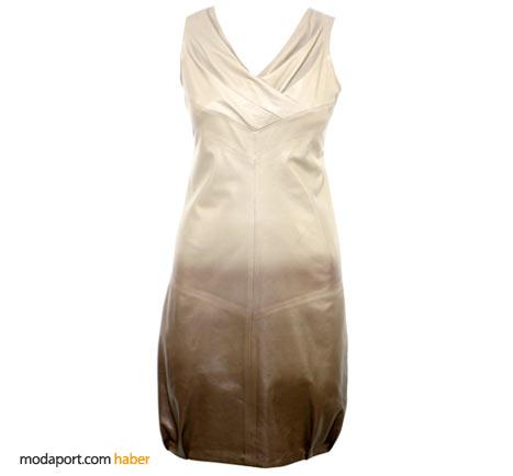 Doğal tonlardaki saten elbise de Desa'nın anneler günü önerilerinden