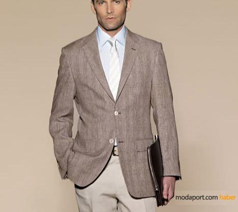 Cacharel'in 2009 Yaz Koleksiyonunda tek parça, keten karışımlı ceketler, gömlek ve (hediye) kravatları tamamlıyor.