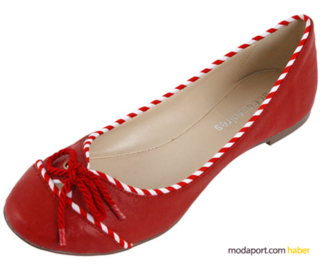 Mudo'nun yaz indiriminde kırmızı babet ayakkabılar