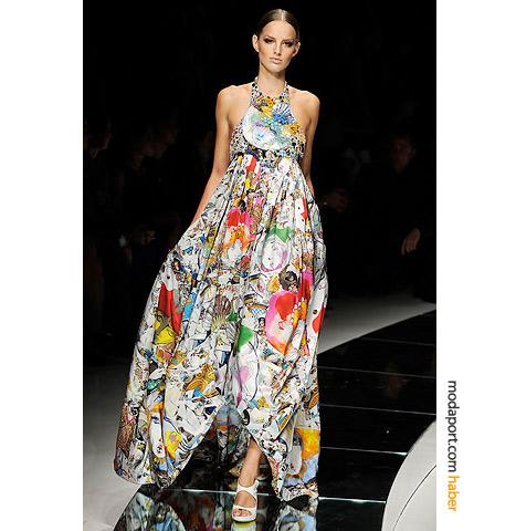 Versace'nin rengarenk uzun yazlık elbise modeli, bu sezonun kabarık etek modasını yansıtıyor
