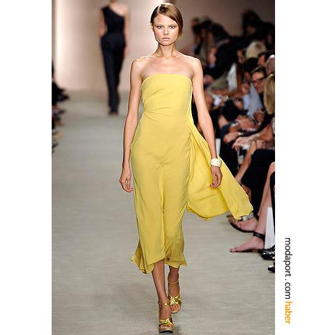 Derek Lam'ın diz ile bilek arasında yazlık gece elbisesi