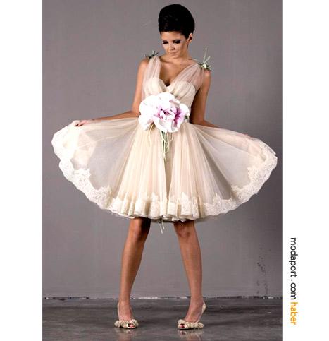 Tuvana Büyükçınar tasarımı elbise