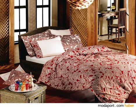 Sarev'in şal desenli bir yatak takımı