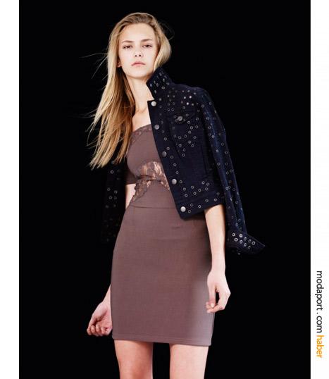 Dantelli mor elbise ve zımbalı kot ceket kombinasyonu, Topshop'un avant garde çizgisini yansıtıyor