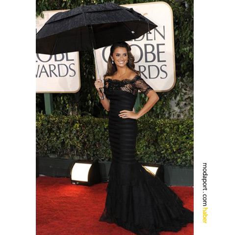 Ünlüler siyah gece elbisesini seviyor altın küre 2010