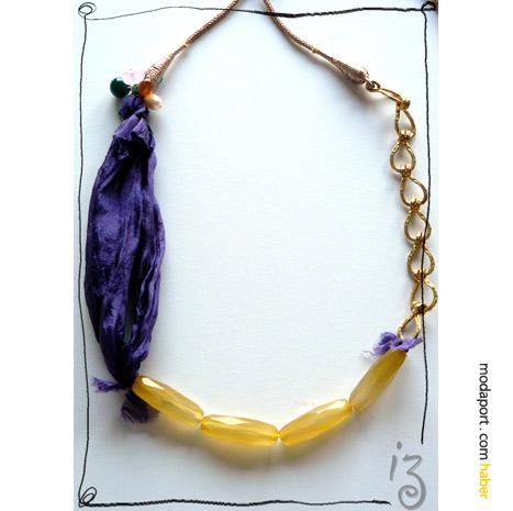 Didemin İzi for Cashmere In Love.. Mor ipek ve sarı boncuklardan kolyede zincir ve ip halkayı tamamlamış..