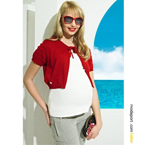 GeBe'den eğlenceli bir hamile giyim stili.. (Kırmızı bolero 56 TL, çizgili pamuklu hamile pantolon 114TL)