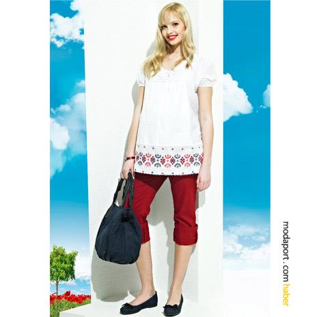 Yaz için stressiz bir hamile giyim kombinasyonu: kırmızı kapri (99 TL) ve kanaviçeli tunik (94 TL)