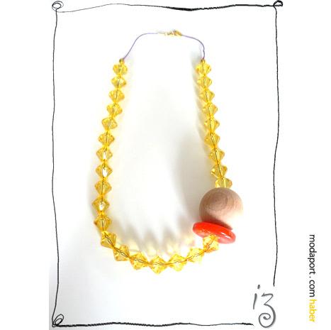 Sarı boncuklar arasında Didem'in İzi: dev ahşap boncuk.. Kolye, Blisskiss için tasarlanmış.