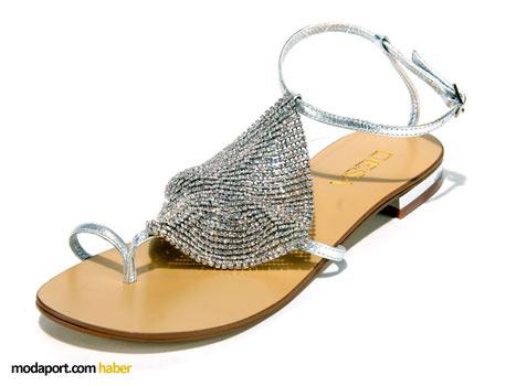 Desa parmak arası sandalet