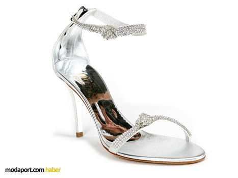 Desa Ayakkabı Koleksiyonunun en dikkat çekici modellerinden biri....