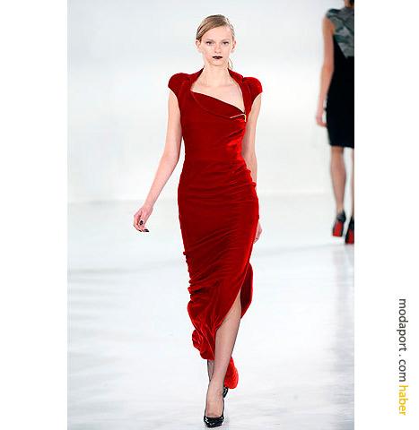 Antonio Berardi kırmızı kadife elbise, kadifenin lüks ve zengin