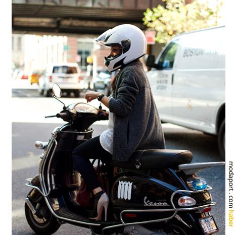 New York sokak modasından: Motosikletli şıklık