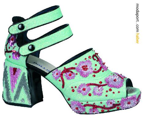 Nicholas Kirkwood bu çılgın çtesi kalın topuklu ayakkabıları Manish Arora için hazırlamış